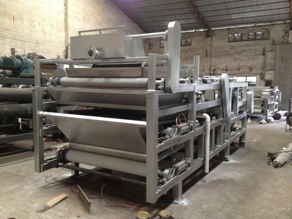 带式浓缩压滤机(带式浓缩污泥脱水机)(带式浓缩脱水机)产品特点